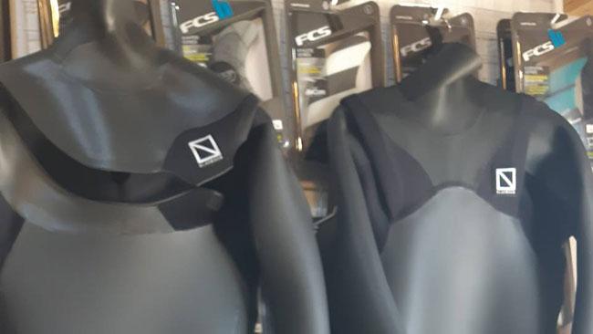 只今ブラックボックスウェットスーツの冬の新作オーダー会開催中!!